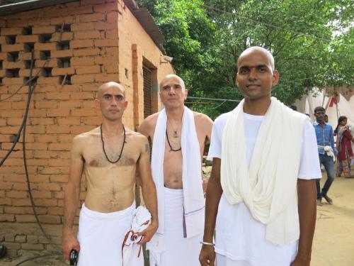 Trio Sadhu